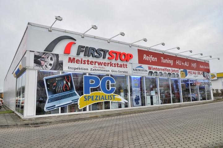 Firststop Schwerin Verkaufsraum und Werkstatt